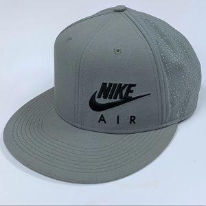 Nike Air Hybrid Cap SnapBack Hat 739419-039 Grey